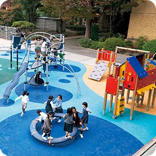 小学校校庭にあそび場をプロデュース