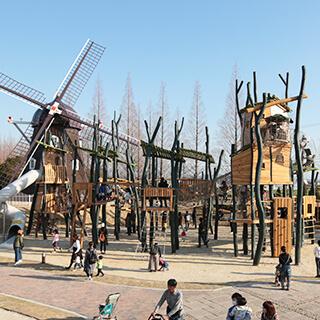 「安城産業文化公園デンパーク」内に屋内外のあそび場をプロデュース