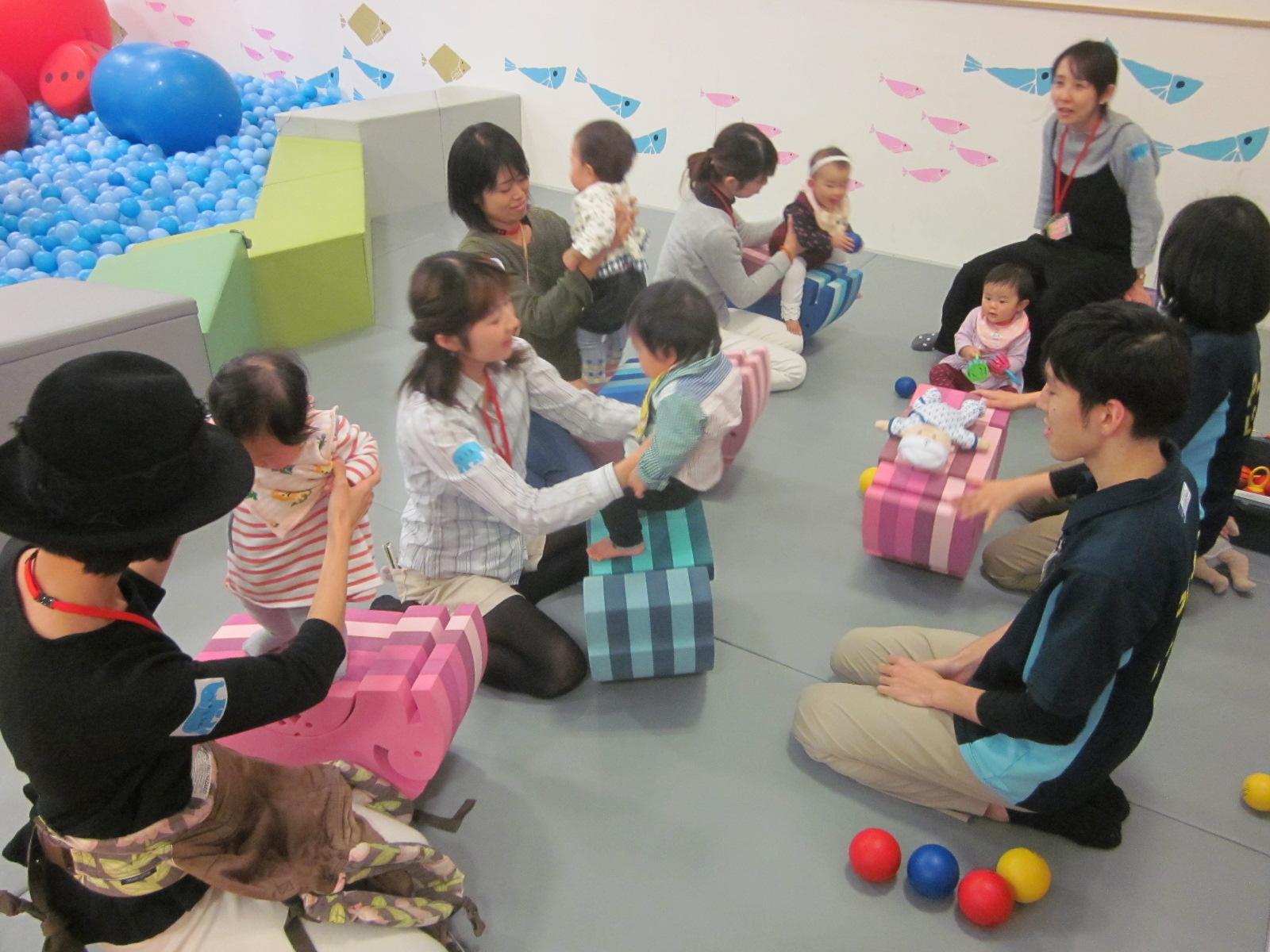 4/27(木)赤ちゃんの日「ボブルスでからだ遊び体験会」