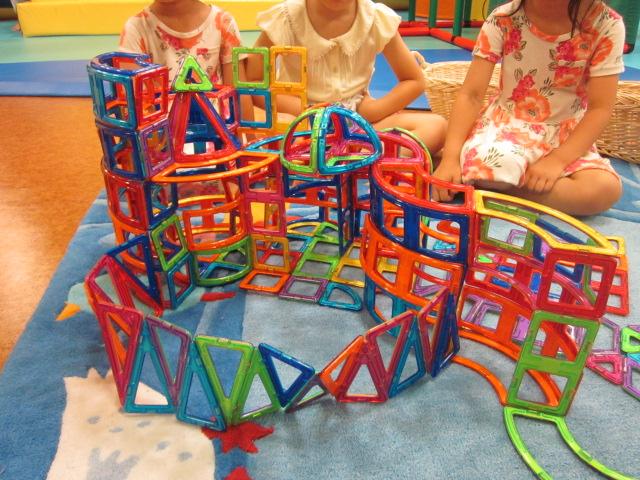 たくさんのピースで大きな作品作り「ブロックで遊ぼう!」