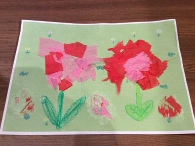 【あそび場】イベント「ちぎり紙であそぼう~みんなでお花を咲かせよう~」を開催しました