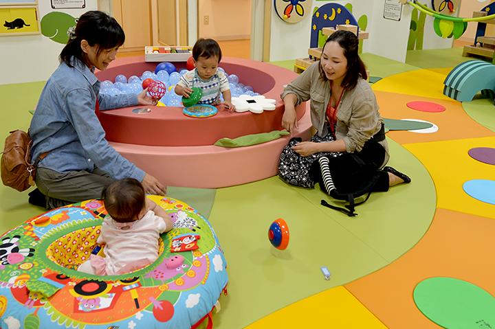 学園南店のおすすめ遊具・あそび③赤ちゃん専用ゾーン「ベビーガーデン」で遊ぼう