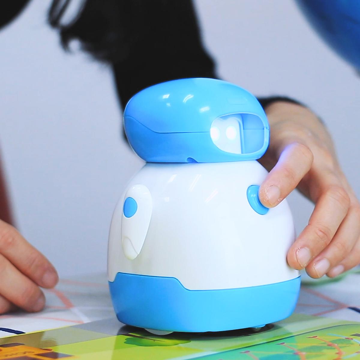 「コーディングロボット クリス」が朝日新聞で紹介されました