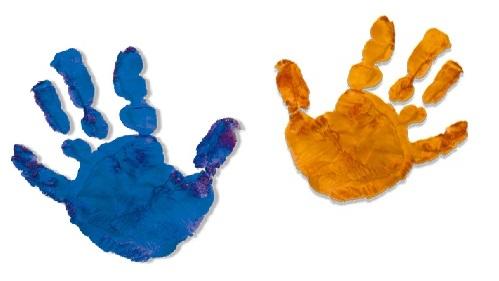 クリスマスの家族の想い出を手型と写真に